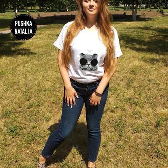 Женская футболка вышитая бисером Кот в очках от Пушки Наталии