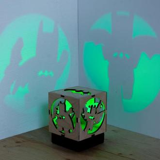 Деревяна нічна лампа-проектор