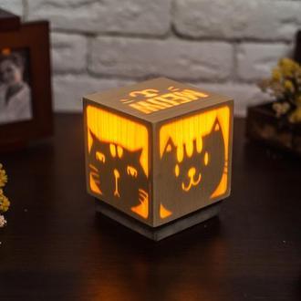 """Дерев'яна нічна лампа зі шпоном """"Коти"""""""