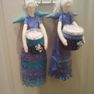 Хранительницы ватных палочек и косметических дисков
