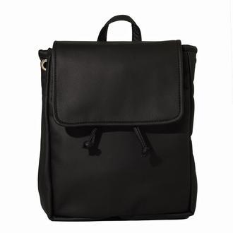 Вместительную женский рюкзак черный