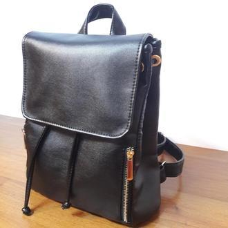 Вместительный женский рюкзак черный