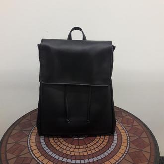 Большой женский рюкзак черный глянцевый