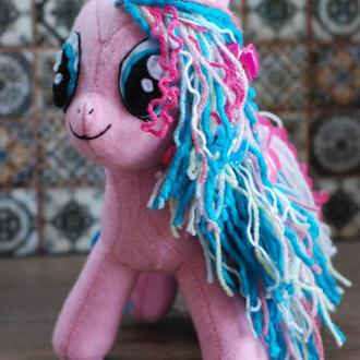 красотка Пони