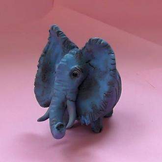 Статуэтка слона синего