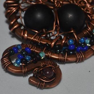 Подвеска с натуральными камнями. В технике Wire Work, Лазурит, шунгит.