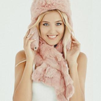 Меховая шапка из кролика розовая