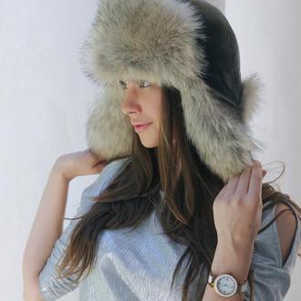 Меховая шапка ушанка из волка с кожей