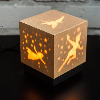 """Дерев'яна нічна лампа зі шпоном """"Фея"""""""