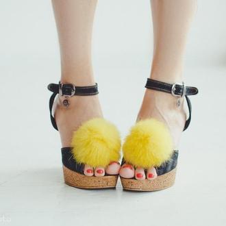 Меховые помпоны для обуви Желтый