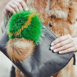 Меховой брелок из енота ярко- зеленый