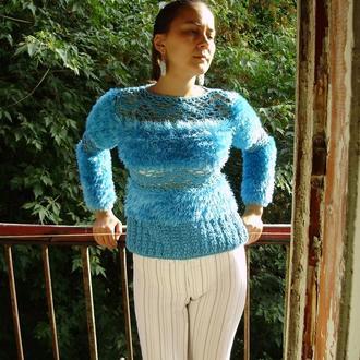 Красивый свитер ручной работы