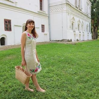 Вышитое платье из неотбеленного льна / Вишита сукня із сірого льону
