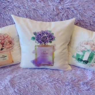Декоративные подушки Шанель