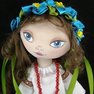 Текстильная кукла в вышиванке