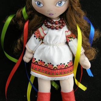 Текстильная кукла в украинском национальном костюме