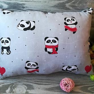 Подушка красные панды