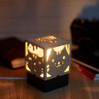 """Дерев'яний нічний світильник з лампою Едісона """"Коти"""""""