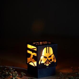 """Дерев'яний нічний світильник з лампою Едісона """"Дарт Вейдер"""""""
