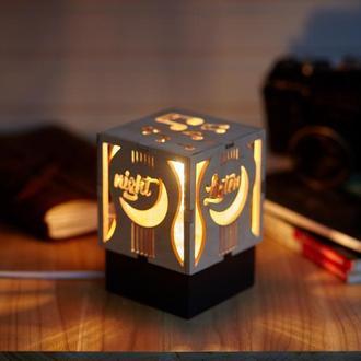 """Дерев'яний нічний світильник з лампою Едісона """"Музика"""""""
