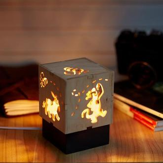 """Дерев'яний нічний світильник з лампою Едісона """"Віні Пух"""""""