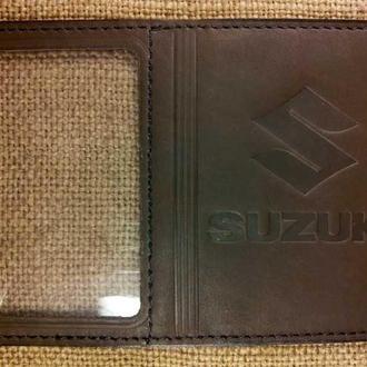 Обложка для прав Микро с логотипом Suzuki