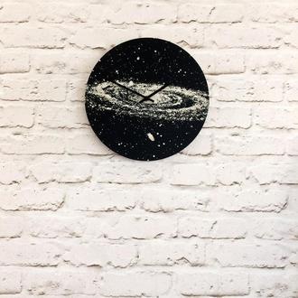 Деревянные настенные часы Космос