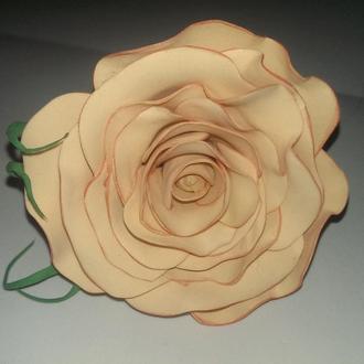 Резинка для волос ручная работа, роза из фоамирана.