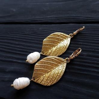 Серьги с натуральным жемчугом позолоченные застежки серьги с жемчугом и листиками