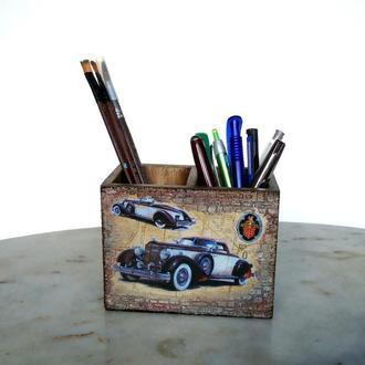 Подставка для ручек карандашей.