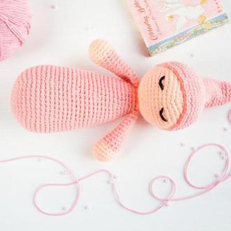 Подарунок на день народження дівчинки або хлопчика в'язана іграшка рожева лялька немовля