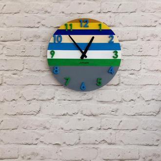 Деревянные настенные часы Разноцветные с цифрами