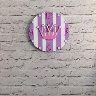 Детские деревянные настенные часы Корона лиловая