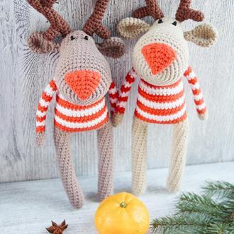 Подарунок  на день народження хлопчика чи дівчинки в'язана іграшка олень червоний ніс