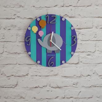 Детские деревянные настенные часы Слон фиолетовые