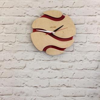 Деревянные настенные часы Шар красный