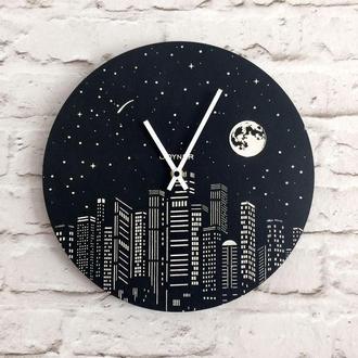 Деревянные настенные часы Город