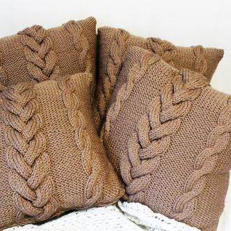 Подушка интерьерная вязаная