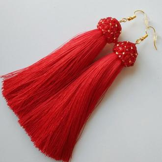 Серьги кисточки красные с хрустальным колпачком. Сережки-китиці червоні із кришталевим ковпачком.