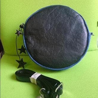 Сумка-таблетка кроссбоди кожаная с джинсовой вставкой