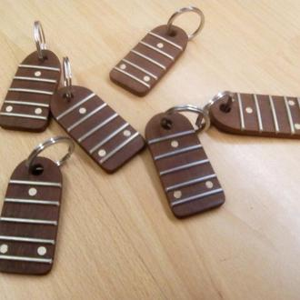 Брелок - подарок для музыканта