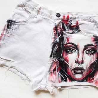 Дизайнерская одежда. Шорты с ручной росписью
