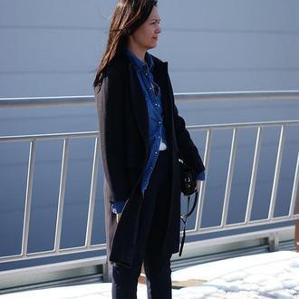 Женское пальто из шерсти темно-синее