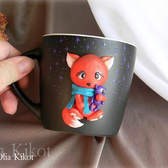 """Кружка """"Лисёнок с котёнком"""" декор из полимерной глины."""