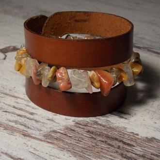 Браслет из кожи и ассорти из натуральных камней: кварц, сердолик, родонит, змеевик