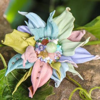 Брошь-цветок «MaryS Leather Accessories» от Cтудии кожаных аксессуаров Марии Суслиной