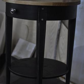 Стильный кофейный столик из дерева в черном цвете с потертостями