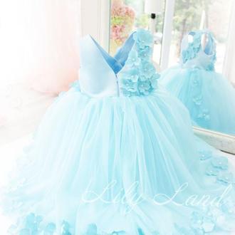 Детское нарядное платье из фатина в цветочек