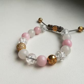 Нежный женский браслет Lous Design с белым нефритом, розовым и ледяным кварцем и серебром в позолоте