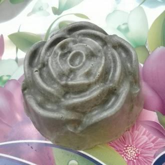 Мыло ручной работы с зеленой глиной